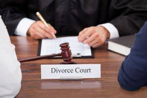 What Happens During Divorce Litigation in Illinois?